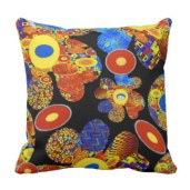 bold_cushion_re_design_of_g_klimt_cushion-r0ef3013b5af54a76967f323e4dbe410b_6s30w_8byvr_324